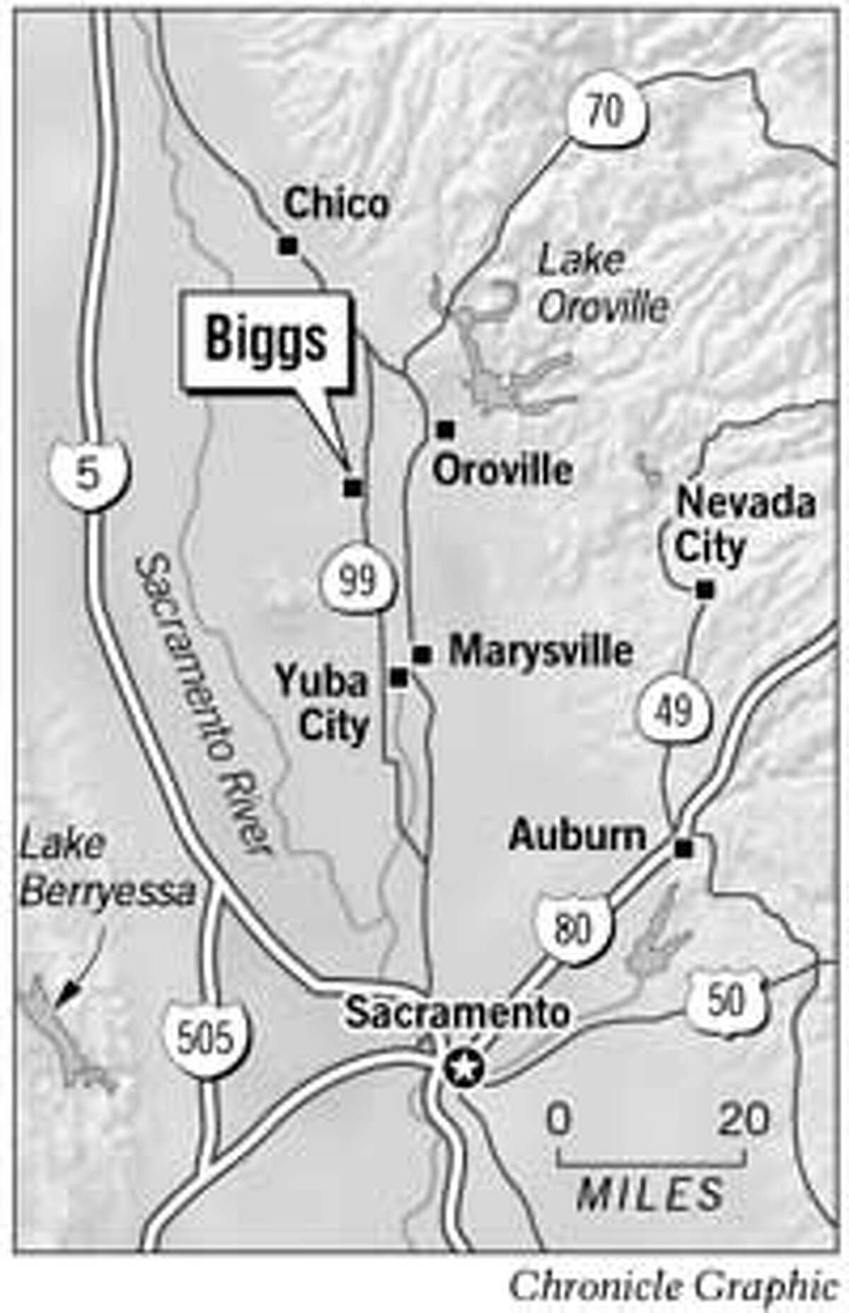 Lake Oroville Lake Berryessa 5 80 70 0 20 MILES Chico Marysville Oroville Nevada City Nevada City Auburn Yuba City Sacramento River 50 49 Sacramento Sacramento 505 Biggs Chronicle Graphic 99 Todd Trumbull Tuesday, October 29, 2002 10:36:20 PM FILE: Biggs got milk.m.mn.10/30 (in Deadline) PUB DATE: 10/30/02 PAGE: A11 EDITION: 3s CHRONICLE MAKEUP Pub date: 10/30/02 Page: A11 Edition: 3s