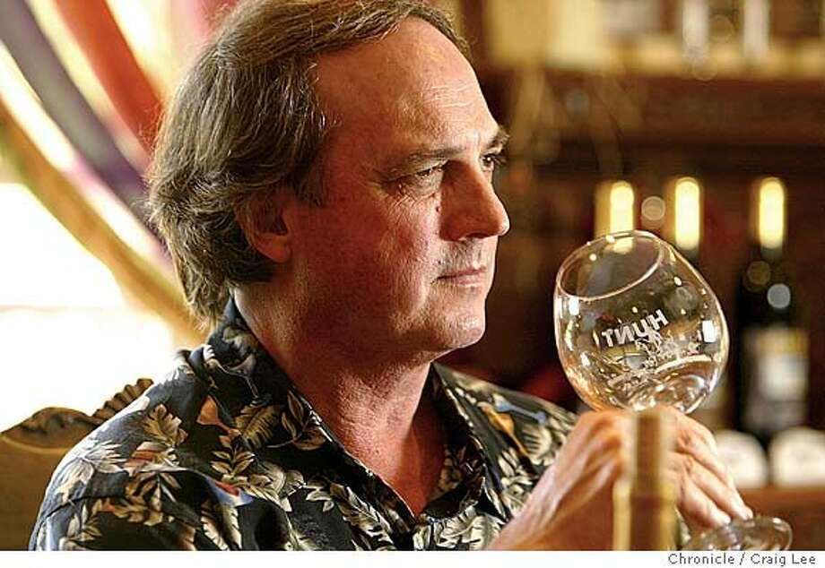 David Hunt, owner of Hunt Cellars in Paso Robles, is a blind winemaker, relying on his acute senses of taste and smell to advise his cellar crew on how to make the wine. Event on 4/28/04 in Paso Robles. Craig Lee / The Chronicle Photo: Craig Lee