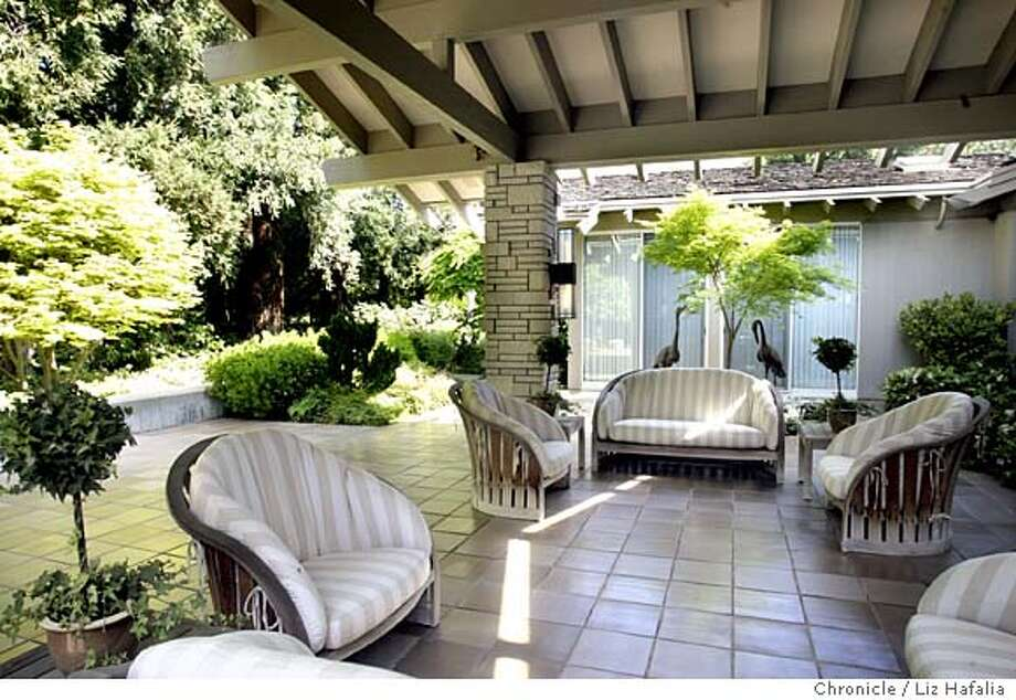 This outdoor room was designed by Goody Steinberg. Goody Steinberg is a modern Wright-style architect. Shot on 3/31/04 in Atherton. LIZ HAFALIA / The Chronicle Photo: LIZ HAFALIA