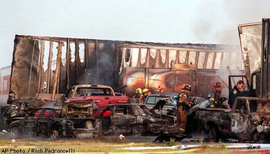 PAGE ONE (SACRAMENTO) -- 5 Die in Fiery Crash of 36 Vehicles on