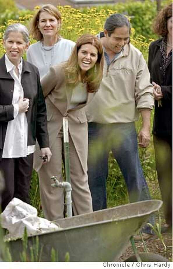 Maria Shriver visits Martin Luther King middle school in Berkeley where they grow their own food for the students  Event on 4/20/04 in Berkeley.  Chris Hardy / San Francisco Chronicle Photo: Chris Hardy