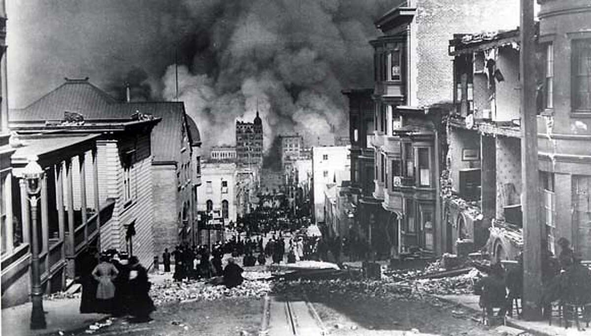 1906 EARTHQUAKE AND FIRE: LOOKING EAST ON SACRAMENTO STREET TOWARD CHINATOWN. PHOTO BY ARNOLD GENTHE THIS PRINT MAY NOT BE USED WITHOUT WRITTEN PERMISSION FROM THE PHOTOGRAPHIC ARCHIVES, CALIFORNIA HISTORICAL SOCIETY LIBRARY, 2099 PACIFIC AVE, SF 94109