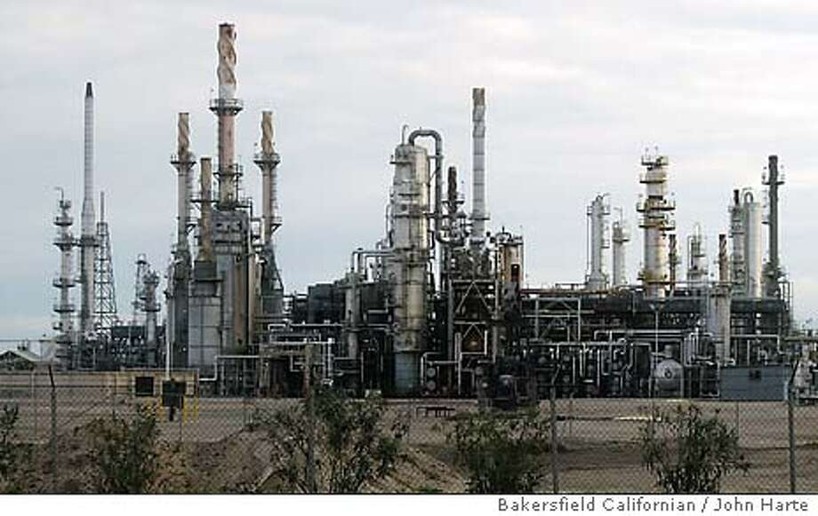 The Shell refinery on Rosedale Highway is ranked No. 49 on a list of possible terrorist targets in California. In all, Kern County has six possible targets. Bakersfield Californian / John Harte Photo: John Harte