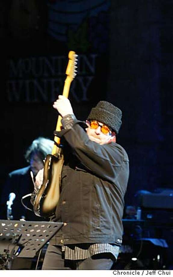 COSTELLO23B-C-21MAY02-DD-JC-- Elvis Costello and the Imposters play at the Mountain Winery in Saratoga on Tuesday evening. Photo by Jeff Chiu/The Chronicle Photo: Jeff Chiu