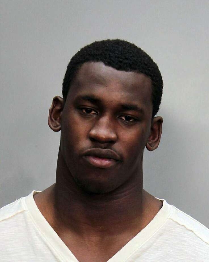 This photo provided by the Miami-Dade County Jail shows Aldon Smith. San Francisco 49ers linebacker Aldon Smith has been charged with driving under the influence, Saturday, Jan. 28, 2012 in Miami Beach, Fla. (AP Photo/Miami-Dade County Jail) Photo: Associated Press