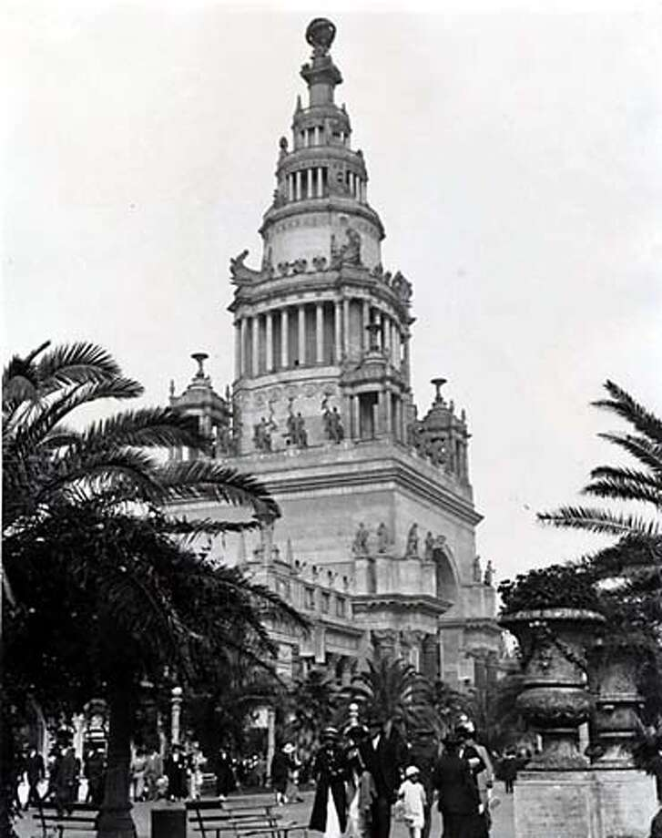 The Tower of Jewels was one attraction at the 1915 fair.