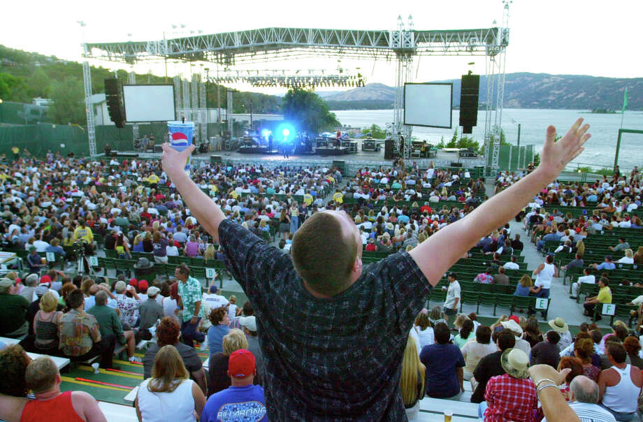 Jay Price got into the mood of the music during a recent concert performance. The Konocti Harbor Resort opens it's 2002 season. Photo: Paul Chinn, The Chronicle