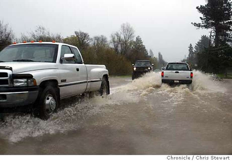 Event on 2/16/04 in Sonoma County.  Rain and flooding caused a cautious crossing of Highway 116 near Bloomfield Road today near Sebastopol in Sonoma County. Chris Stewart / The Chronicle � Photo: Chris Stewart