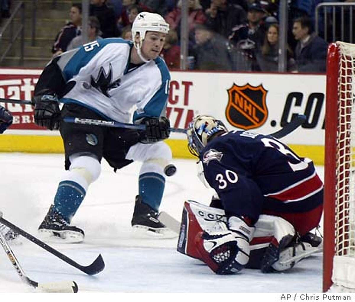 San Jose Sharks' Wayne Primeau (15) fires a shot at Columbus Blue Jackets goalie Marc Denis (3) during the first period in Columbus, Ohio, Saturday, Feb. 14, 2004. (AP Photo/Chris Putman) Wayne (above) and Keith (left, #25) Primeau still play each other tough, but following their mothers explicit instructions, dropping the gloves and fighting is in the past. ProductNameChronicle Wayne Primeau, above, and brother Keith, No. 25, still play each other tough, but following their mothers explicit instructions, dropping the gloves and fighting is in the past.