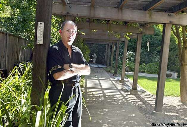 Ron Herman's garden unfolds quietly into layers of spaces - SFGate