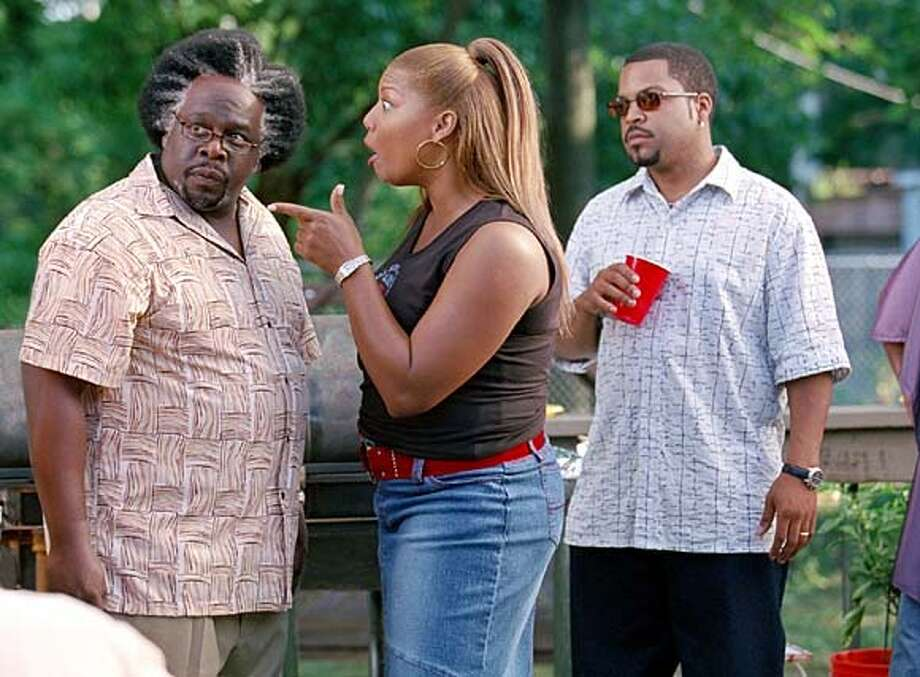 for preview04 art; Queen Latifah, Cedric the Entertainer, Ice Cube in Barbershop 2: Back in Business. , / HO