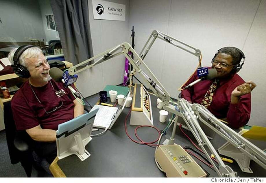 "(filename) Stanford Univ. philosophy professors John Perry (left) and Ken Taylor (right) prepare for their KALW public radio show, ""Philosophy Talk."" The show airs on Tuesdays at noon. Event on 3/23/04 in San Francisco. JERRY TELFER / The Chronicle MANDATORY CREDIT FOR PHOTOG AND SF CHRONICLE/ -MAGS OUT Photo: JERRY TELFER"