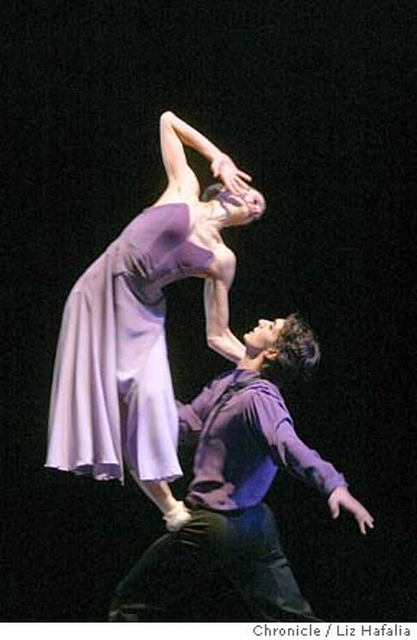SFBALLET_089LH.JPG  Dress rehearsal for the gala opeing of the 2004 Repertory Season of the San Francisco ballet. Muriel Maffre and Pierre-Francois Vilanoba dance in Excerpt from There Where She Loved, LIZ HAFALIA / The Chronicle MANDATORY CREDIT FOR PHOTOG AND SF CHRONICLE/ -MAGS OUT Photo: LIZ HAFALIA
