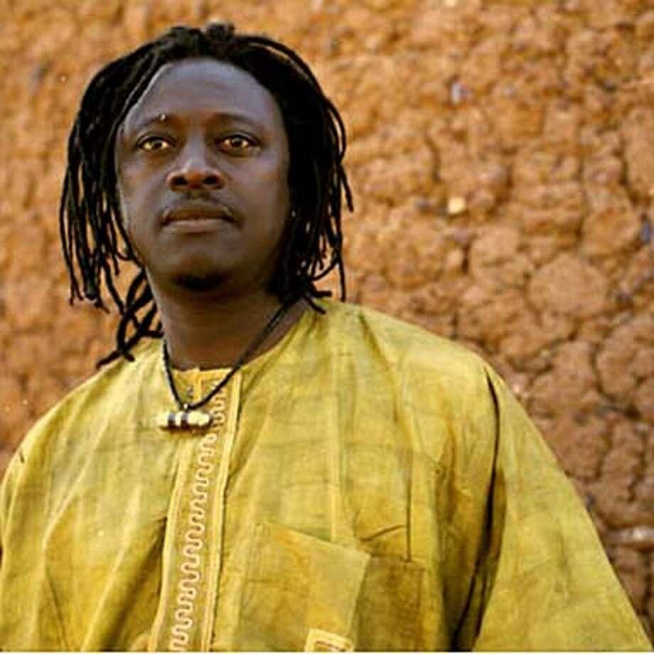 KOITE28  Singer-guitarist Habib Koite
