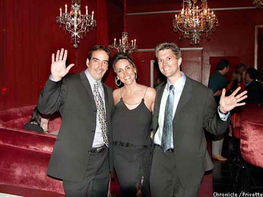 Foto AI604209 - from left to right, Doug Denton, Corinne Afanasieff and Dr. Bart Magee hope to launch a new center for low-cost mental health treatment in San Francisco.The launch party was held at Rouge. Photo: Special to the Chronicle by Privette.  (MUST CREDIT: Privette/SPECIAL TO THE SAN FRANCISCO CHRONICLE)  ONE TIME USE ONLY; FOR PRICING AND RIGHTS TO USE YOU MUST CONTACT: Photo: PRIVETTE