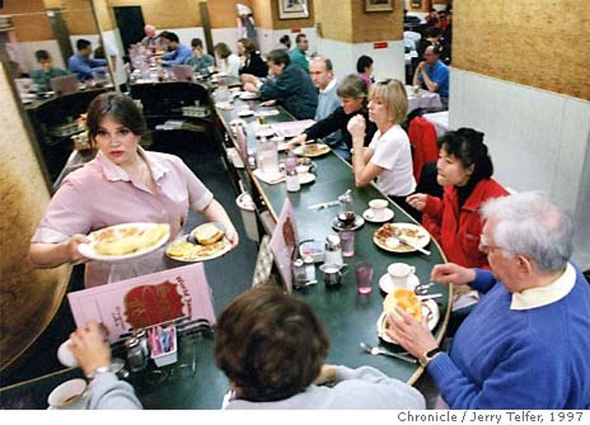 CLASSICS.19/C/13NOV97/FD/JLT Packed house for breakfast at Sears Fine Foods restaurant. 439 Powell Street PHOTO BY JERRY TELFER ALSO RAN: 12/25/2003