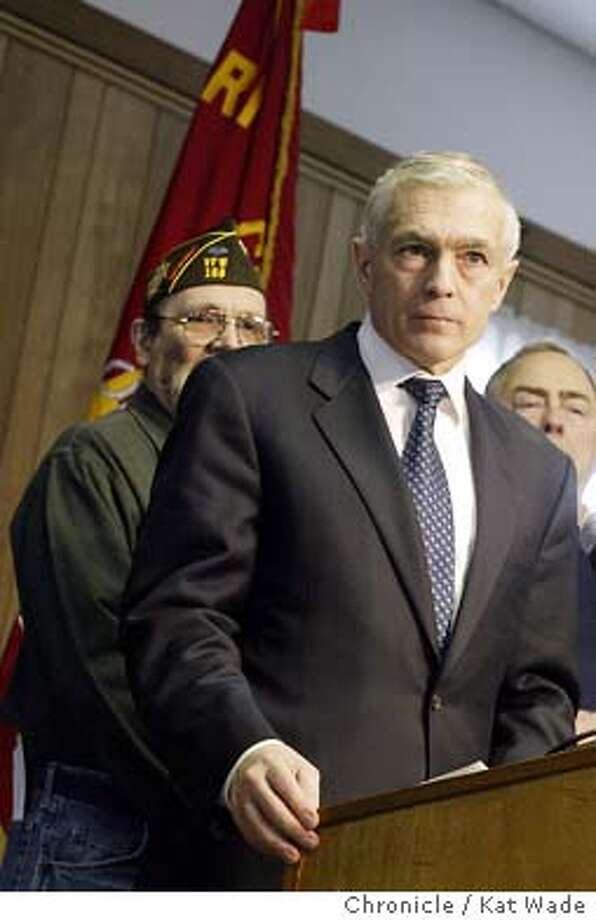 Democratic Presidential candidate General Wesley K. Clark addresses a veterans at the VFW Post 168 in Portsmouth on 1/21/04. Kat Wade / The Chronicle Photo: Kat Wade