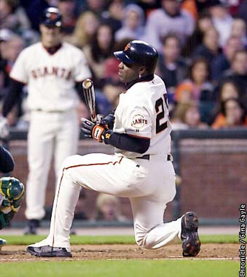 Barry Bonds avoids getting hit byt a ball in the foruth inning against the Oakland A's at PacBell Park. Photo by Gina Gayle/The SF Chronicle. Photo: GINA GAYLE