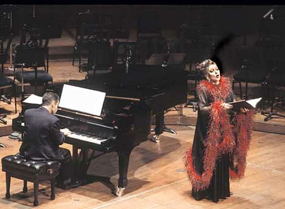 Mezzo-soprano Susanna Poretsky with pianist Peter Grunberg. Photo: HANDOUT