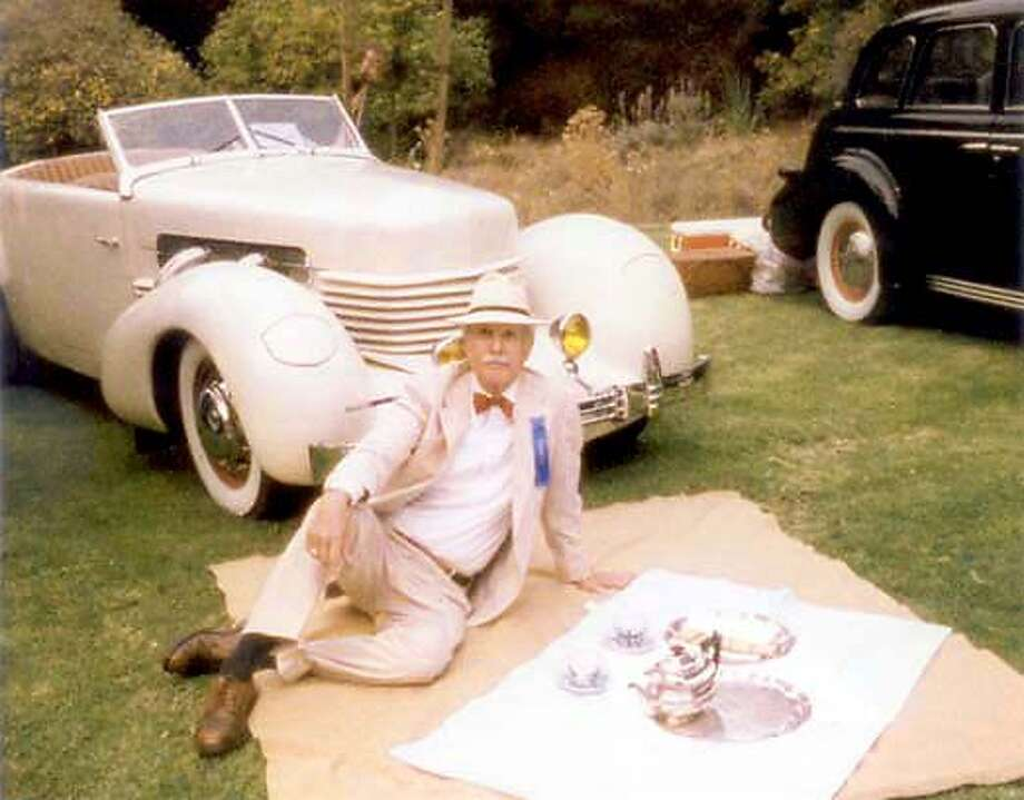 William W. of San Francisco at the�1999 Gatsby Summer Afternoon, hosted annually�by the Art Deco Society at Dunsmuir House in Oakland. was�a major patron of the event.