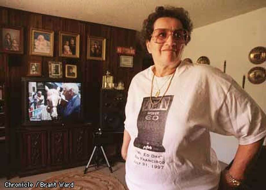 "MR. ED 1/28AUG97/MN/BW--Lillian Bellamy inside her Fairfield home loves to watch the video of ""Wilburs"" recent visit to San Francisco with a Mr. Ed. look-a-like. By Brant Ward/Chronicle"