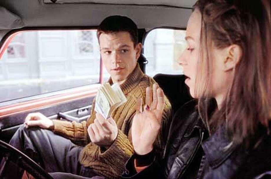 Jason Bourne (MATT DAMON) asks Marie Kreutz (FRANKA POTENTE) for a ride to Paris. Credit: Egon Endrenyi Photo: HANDOUT