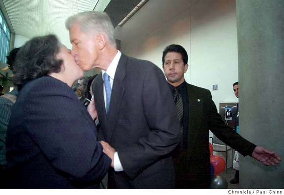 dems18_291.JPG Former Gov. Gray Davis kisses Jane Lowenthal on the cheek as he arrives at the convention Saturday. Lowenthal is a member of the state library commission. The California State Democratic Convention in San Jose on 1/17/04. PAUL CHINN / The Chronicle MANDATORY CREDIT FOR PHOTOG AND SF CHRONICLE/ -MAGS OUT Photo: PAUL CHINN