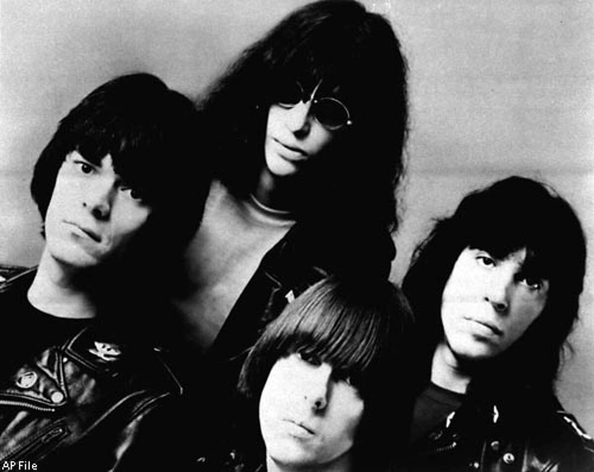 Punk rocker Dee Dee Ramone dies
