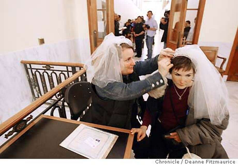 (l to r) Jillian Armenante, actress on Judging Amy marries Alice Dodd. They drove here from Los Angeles. Same-sex couples were allowed to continue getting married today at City Hall as a decision was made in court today to allow marriages to coninue through Friday.  Deanne Fitzmaurice / The Chronicle Photo: Deanne Fitzmaurice
