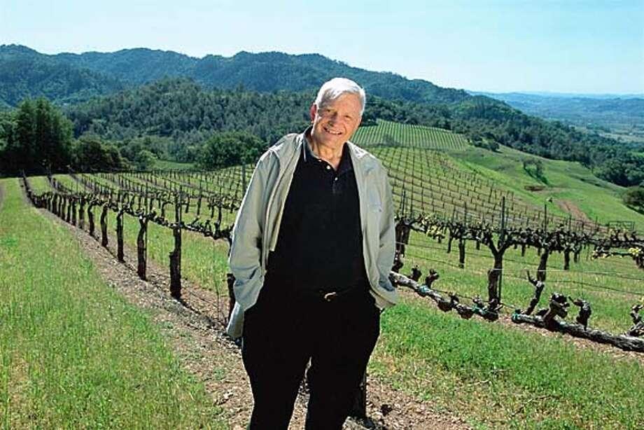 KJ19:  Jess Jackson, proprietor of Kendall-Jackson Wine Estates, in his Alexander Mountain Estate vineyard in the Alexander Valley of Sonoma County. The vineyard is the source for Kendall-Jackson's new Alexander Mountain Estate Merlot wines.  of Cabernet sauvigbnon ProductNameChronicle