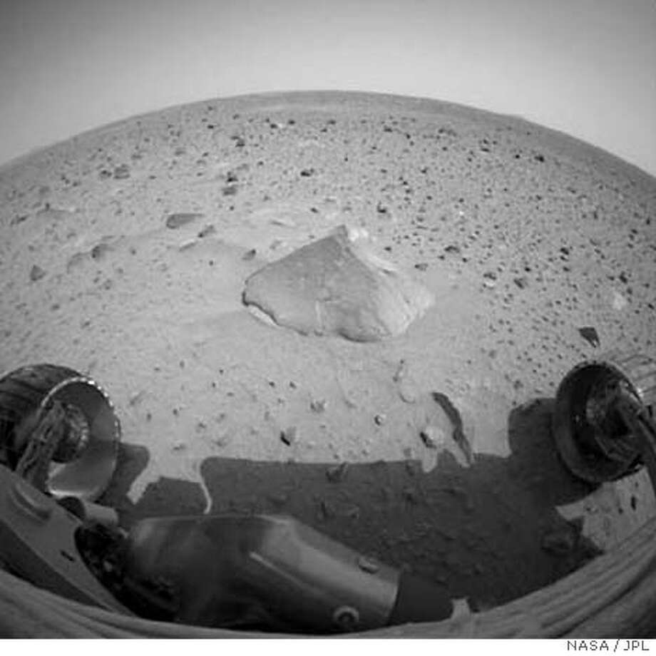 NASA's Mars Exploration Rover Spirit took and returned this image on January 30, 2004. These are some of the first images sent back from the panoramic camera on the Mars Exploration Rover Spirit since the rover fell ill on the 18th sol, or Martian day, of its mission. They were acquired at Gusev Crater, Mars on Sol 26 January 29, 2004, showing that the camera's health remained excellent during Spirit's recovery. EDITORIAL USE ONLY REUTERS/NASA/JPL/Cornell/Handout Photo: NASA