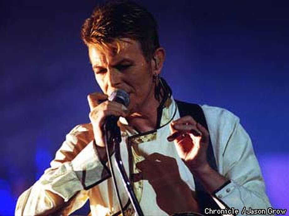 David Bowie appeared at the Warfield Theater in SF Tuesday night. BY JASON GROW/THE CHRONICLE Photo: JASON GROW
