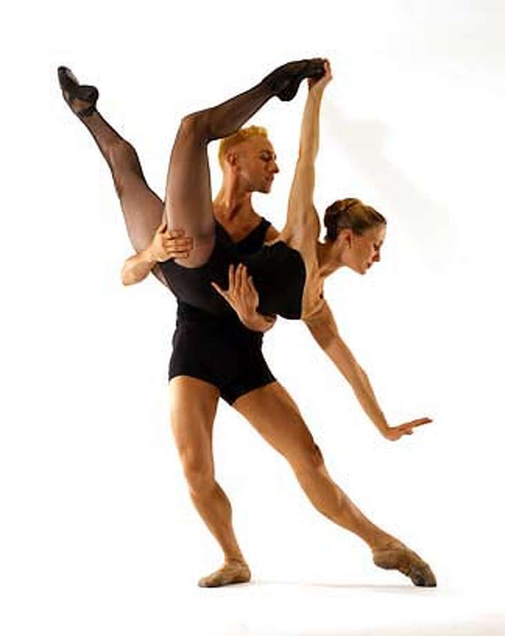 / for: Datebook slug: Diablo;  Edward Stegge and Erika Johnson Diablo Ballet at Zellerbach Hall  November, 2003 Berkeley, Ca Ashraf / HO Photo: Ashraf