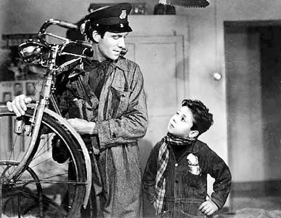 """""""The Bicycle Thief"""" (1948) - (l-r): Lamberto Maggiorani and Enzo Staiola - airs June 07, 2002 (HANDOUT PHOTO) Photo: HANDOUT"""