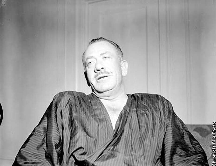 STEINBECK3/C/19SEP57/PK/KM- AUTHOR, ON LIST OF 100 BEST ENGLISH LANGUAGE NOVELS OF THE TWENTITH (20TH) CENTURY. PHOTO BY KEN MCLAUGHLIN/THE CHRONICLE 1957 Photo: KEN MCLAUGHLIN