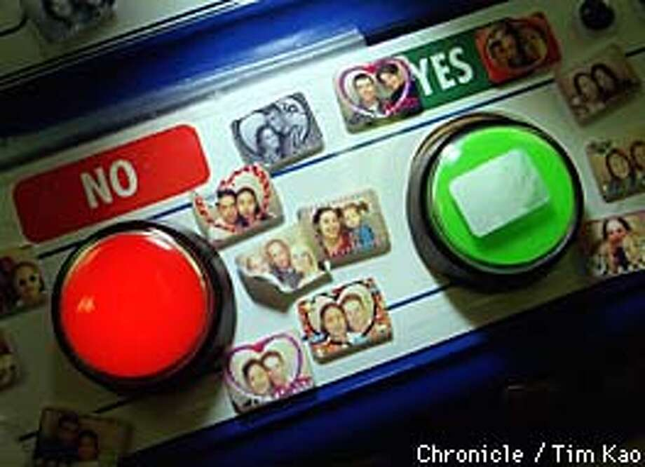=THE control panel of the neo-print photo sticker machine. Clients can choose different frames within the sticker. photo by Tim Kao/the chronicle Photo: TIM KAO