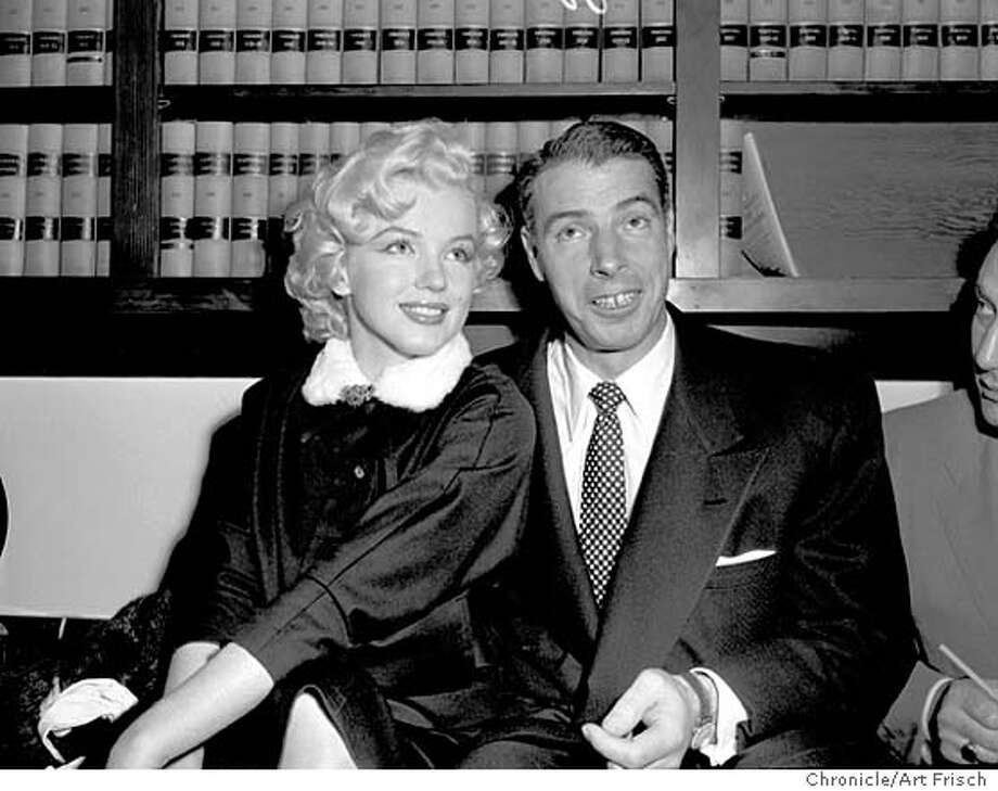 MONROE-DIMAGGIO2/14JAN54/MN/AF - Marilyn Monroe and Joe DiMaggio in the judges chambers before their marriage on January 14, 1954. Photo by Art Frisch. Photo: ART FRISCH