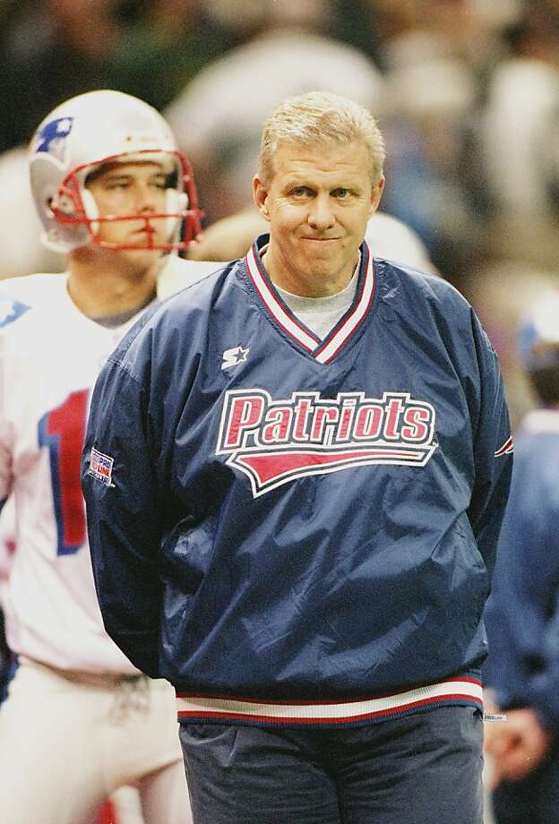26 Jan 1997:  New England Patriots head coach Bill Parcells looks on during Super Bowl XXXI against the Green Bay Packers at the Superdome in New Orleans, Louisiana.  The Packers won the game, 35-21. Mandatory Credit: Doug Pensinger  /Allsport Photo: Doug Pensinger