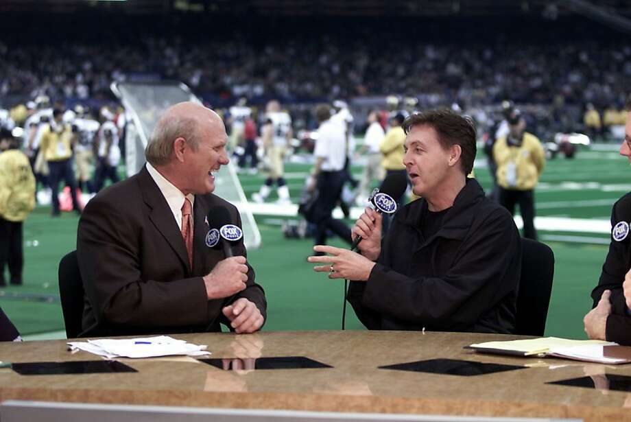 American sports commentator Terry Bradshaw and British musician Paul McCartney on the Fox Broadcasting Halftime Show on Super Bowl XXXVI at the Louisiana Superdome in New Orleans, Louisiana., February 3, 2002. (Photo by Frank Micelotta/Getty Images) Photo: Frank Micelotta