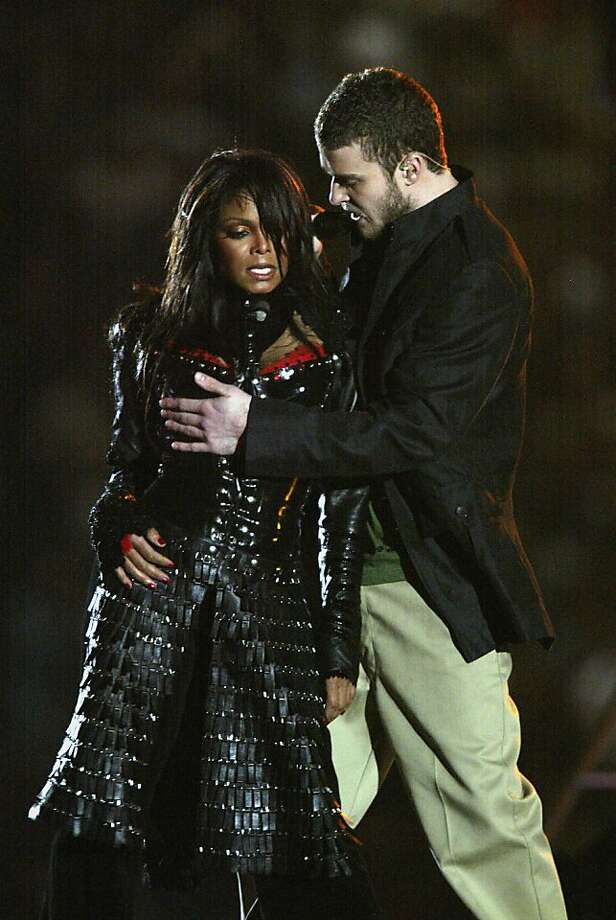 HOUSTON, TX - FEBRUARY 1:  Singers Janet Jackson and Justin Timberlake perform during the halftime show at Super Bowl XXXVIII between the New England Patriots and the Carolina Panthers at Reliant Stadium on February 1, 2004 in Houston, Texas. (Photo by Donald Miralle/Getty Images) The Patriots won 32-29 to claim their second Super Bowl in three years. (Photo by Donald Miralle/Getty Images) Photo: Donald Miralle, Getty Images