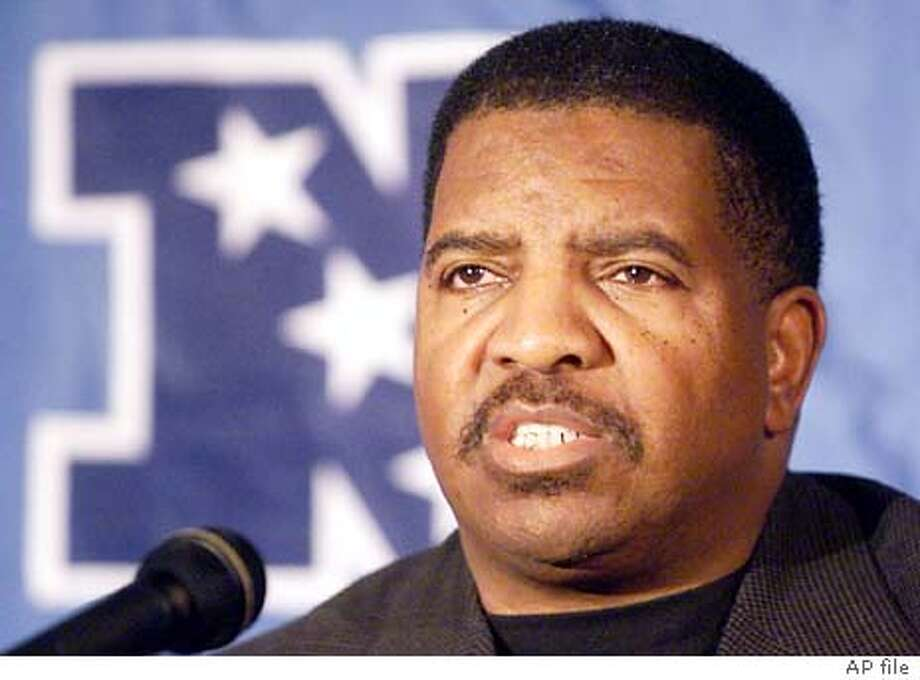 Minnesota Vikings head coach Dennis Green talks during a news conference at New York's Inter-Continental Hotel Friday, Jan. 12, 2001. The Vikings will face the New York Giants Sunday, Jan. 14, in the NFC championship. (AP Photo/Mark Lennihan) Photo: MARK LENNIHAN