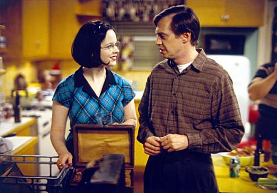 """""""Ghost World'' co-stars Thora Birch and Steve Buscemi may contend for big awards"""