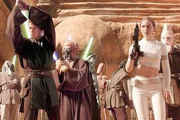 Anakin Skywalker (Hayden Christensen) and Padme Amidala (Natalie Portman) in Star Wars: Episode II Attack of the Clones.  (HANDOUT PHOTO)