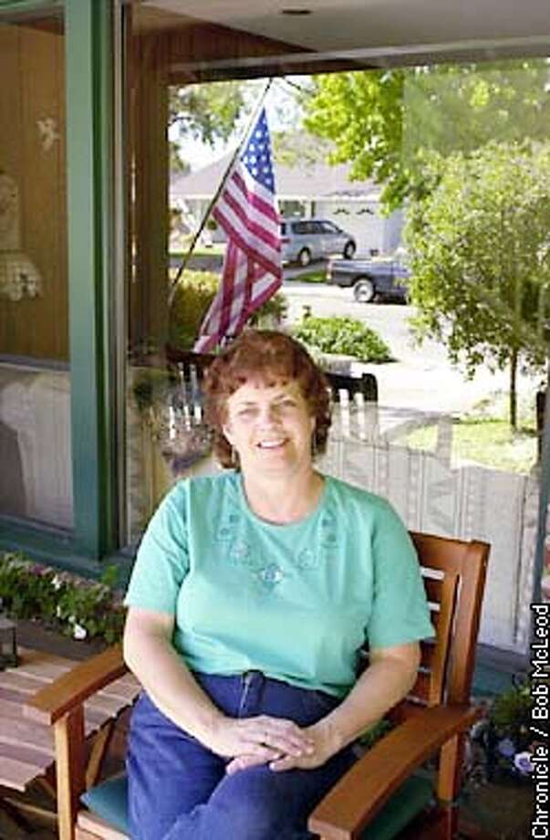 MOBILITY15b-C-14MAY02-MT-BM  Sanndy Johnson at her home in Redwood City. she has lived there for 24 years and plans to stay.  chronicle photo by Bob McLeod Photo: BOB MCLEOD