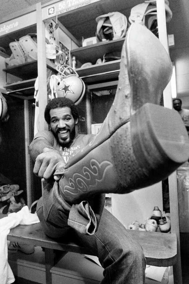 "14. Bradshaw's not so smart – Super Bowl XIII: Asked about Steelers quarterback Terry Bradshaw during an interview session, Cowboys linebacker Thomas ""Hollywood"" Henderson said Bradshaw was so dumb that ""he couldn't spell cat if you spotted him the 'c' and the 't.'"" Photo: Pete Leabo, AP / 1979 AP"