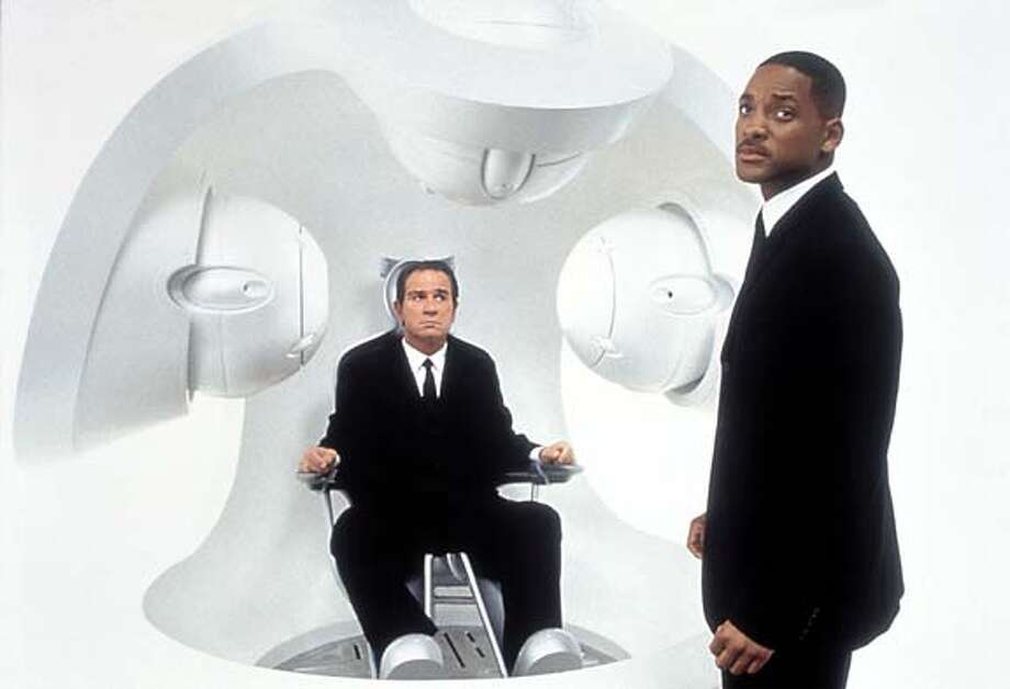 """Tommy Lee Jones and Will Smith in """"Men in Black 2."""""""