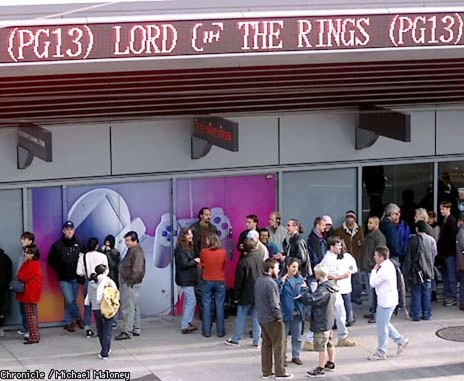 Nearly 200 people were lined up outside the Metreon in downtown SF this morning one hour before the 10am opening of The Lord of the Rings. CHRONICLE PHOTO BY MICHAEL MALONEY Photo: MICHAEL MALONEY