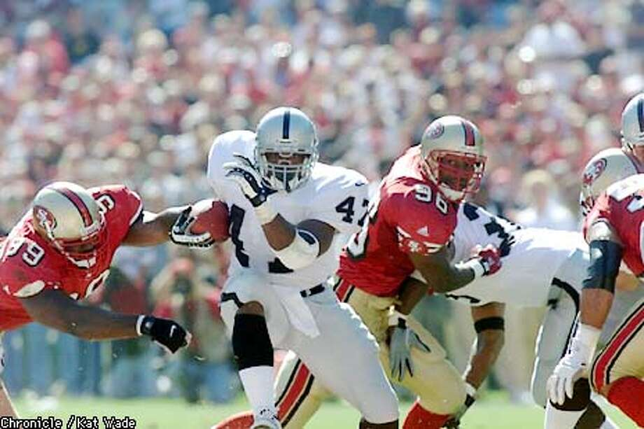 Raider #47 Tyrone Wheatley in second quarter action. The Oakland Raider vs. San Francisco 49ers at 3Com Park October 8, 2000. Kat Wade/San Francisco Chronicle Photo: KAT WADE