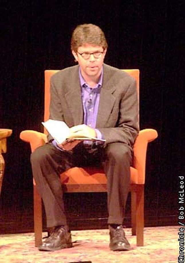 FRANZEN15c-C-13DEC01-DD-BM  Author Jonathan Franzen, speakind at the Herbst theatre in SF.  Chronicle photo by Bob Mcleod Photo: BOB MCLEOD