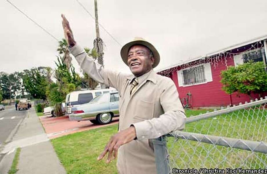CHRISTINA KOCI HERNANDEZ/CHRONICLE  Joseph Conwright, who bought his home when Parchester was founded, waves at a passing neighbor. Race and etnicity in Richmond's historically African-American Parchester neighborhood. Photo: CHRISTINA KOCI HERNANDEZ